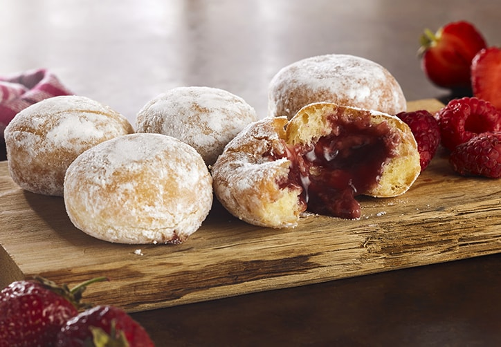 RED FRUITS FILLED MINI BEIGNETS